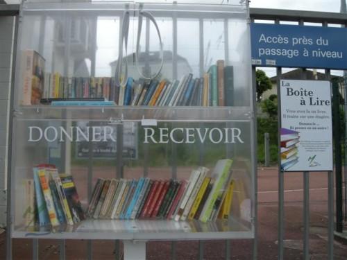 2012-05-13 boîte livres Méry DSCN5533_570 (Small).JPG